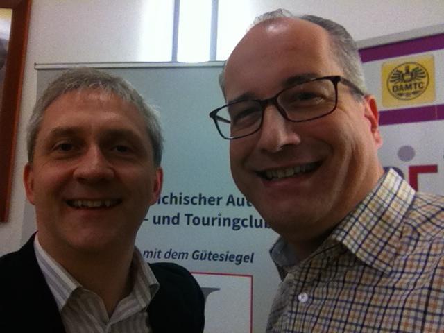 Gelber HR Engel Herwig Kummer im Interview